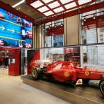 Installation : un magasin Ferrari animé par LIGHTWARE