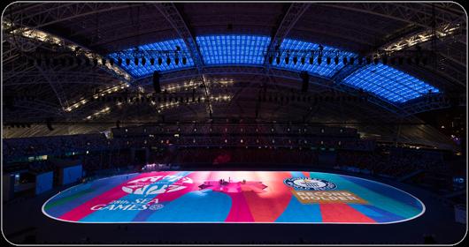 La luminosité totale de l'image projetée par les 160 projecteurs Christie Roadster a dépassé 3 200 000 lumens, établissant un nouveau record du monde.