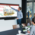 Une nouvelle version du BIG PAD 70″ de Sharp pour universités et PME