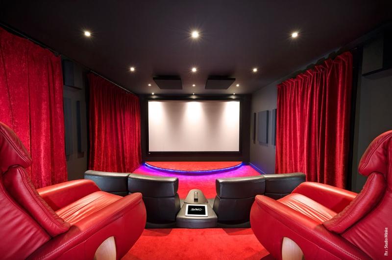 Un Cinema Prive Pas Comme Les Autres Blog Eavs Groupe