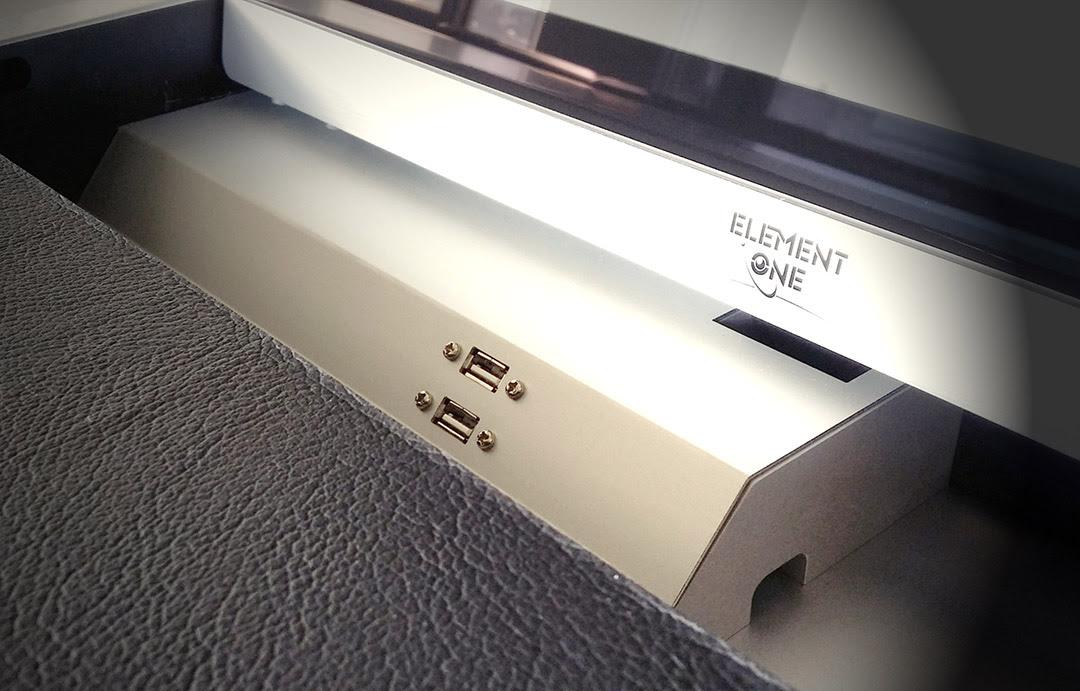 Element One moniteur motorisé