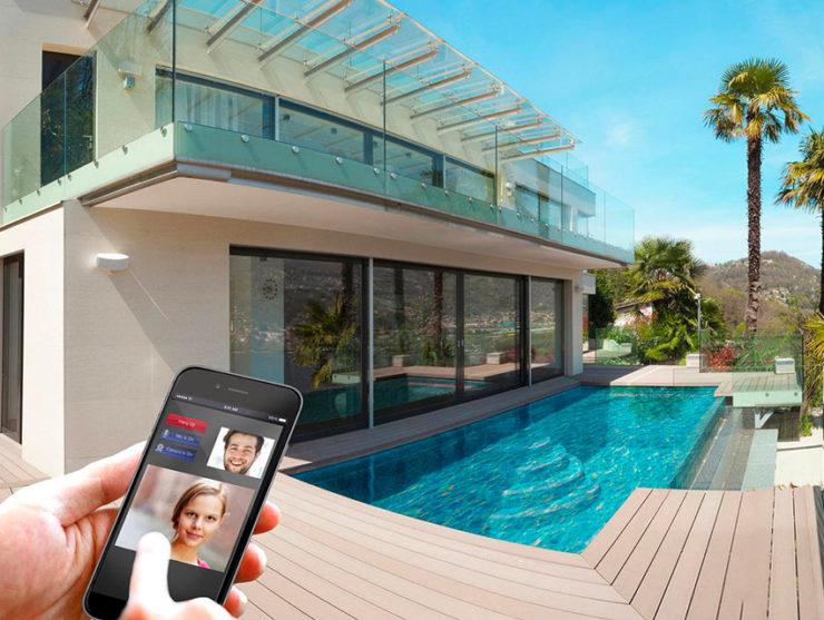Avec l'application mobile Elan, contrôlez votre maison à distance