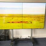 L'installation du mois : un mur d'images 2×2 sur support mobile