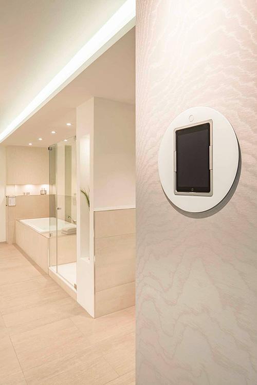 Viveroo Loop iPad lifestyle