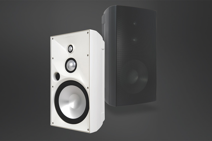 SpeakerCraft OE : des enceintes hautes performances pour l'extérieur
