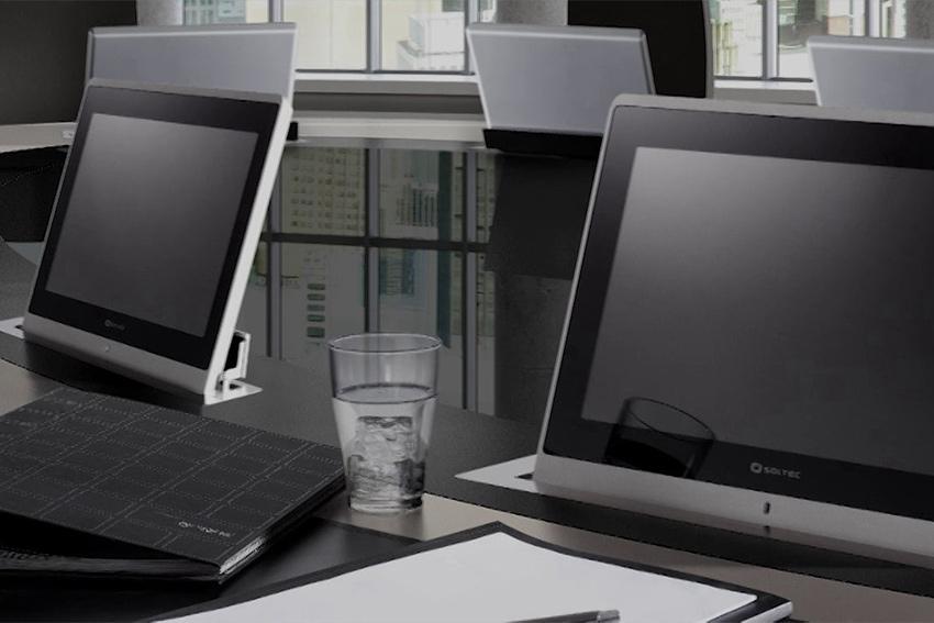 Quatre finitions différentes pour les écrans motorisés et encastrés Soltec RET
