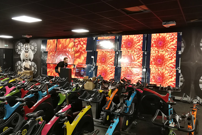 L'installation du mois : un mur d'images pour du sport immersif