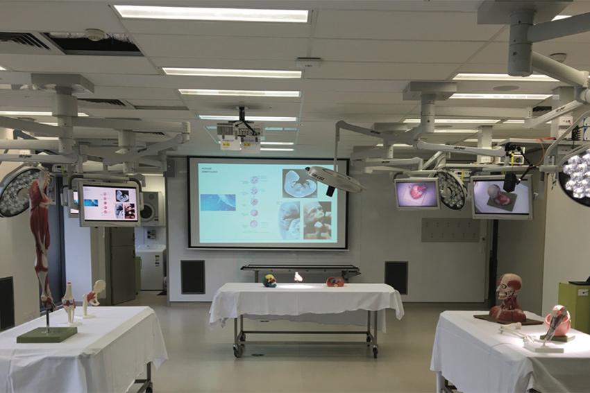 Une distribution AV sur IP signée Gefen dans un laboratoire d'études chirurgicales