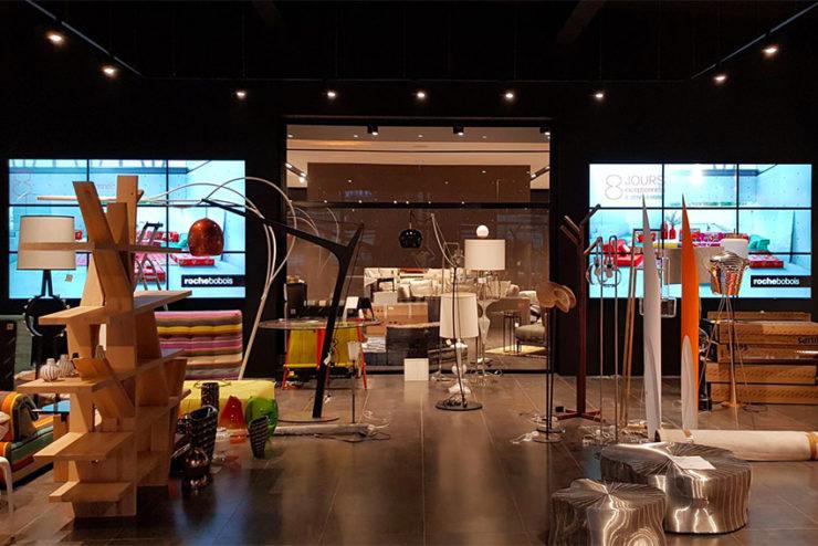 L'installation du mois : deux murs d'images dans une boutique de mobilier déco