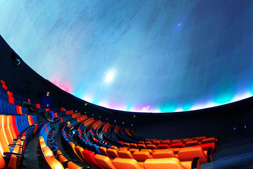 20 millions de pixels au Maloka Dome de Bogota grâce à Christie