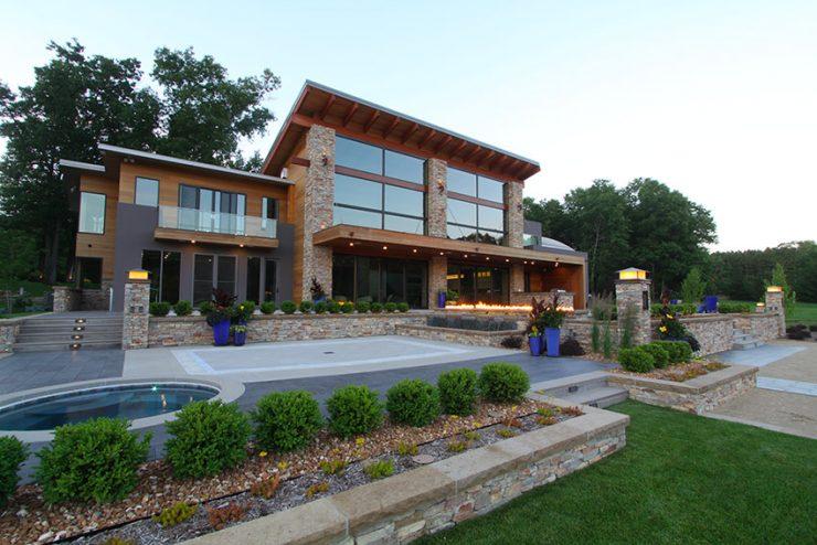 Une résidence moderne de 600 m2 reçoit un système complet Elan, Niles, SpeakerCraft et Furman