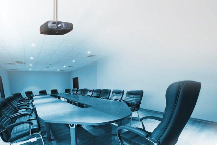 Une potence de plafond Audipack supportant jusqu'à 70 kg
