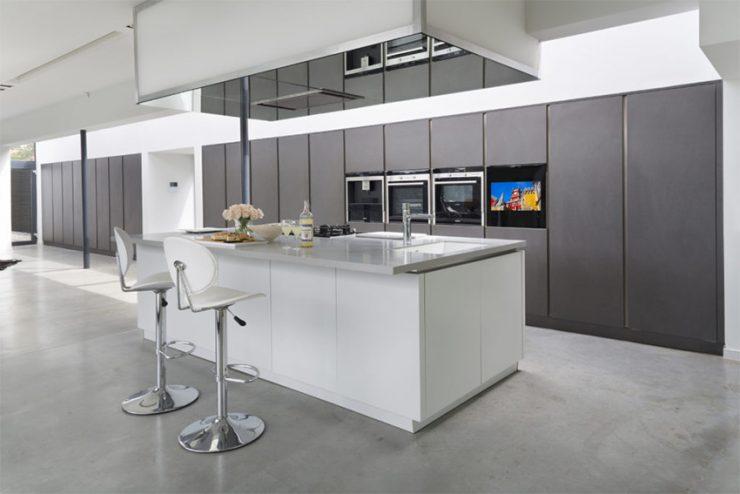Les écrans Aquavision s'intègrent aussi dans les cuisines