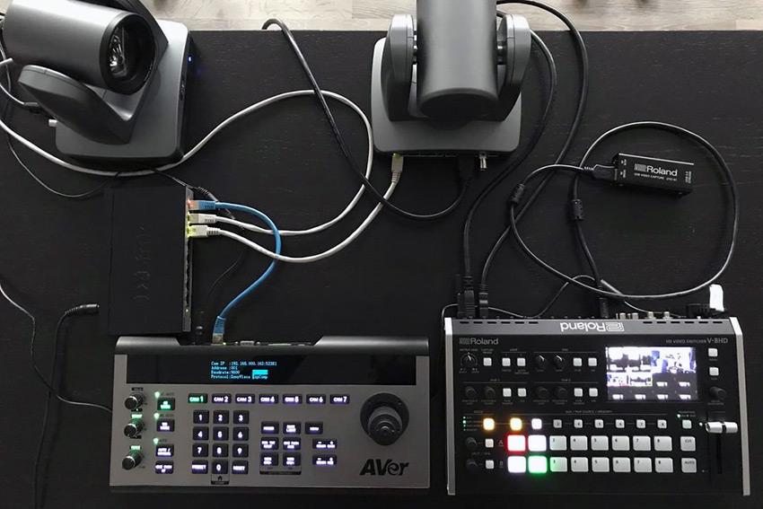 Caméras, pupitre, mélangeur, carte d'acquisition : le bundle EAVS pour streamer léger !