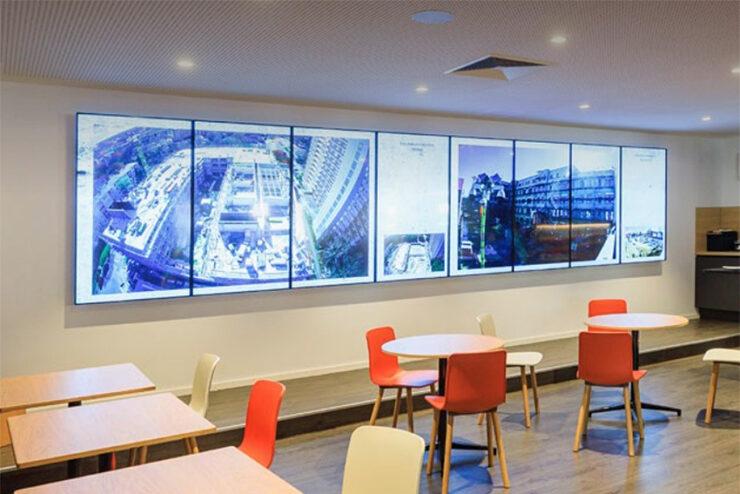 Des moniteurs LED en grand format pour une entreprise de construction