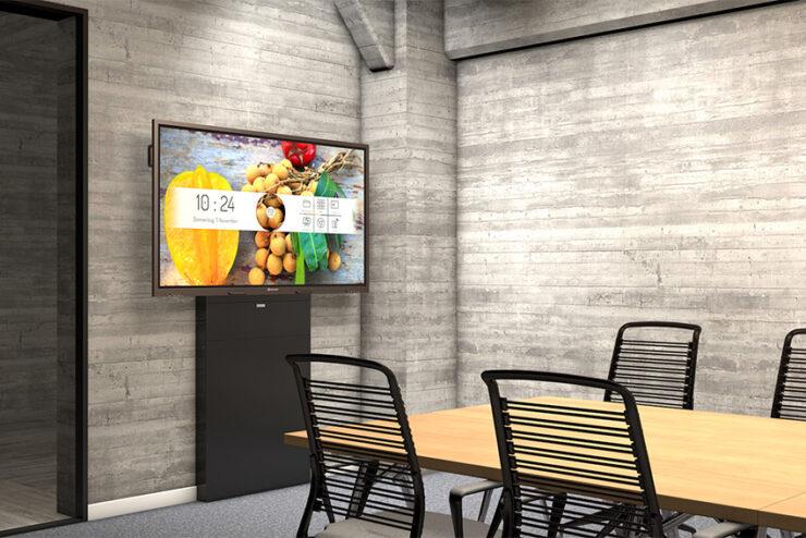 Kindermann BackBox XL : une colonne murale avec support pour moniteur et plastrons CablePort